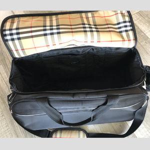 Burberry Bags - Burberry Carry on 3e489bb365afe